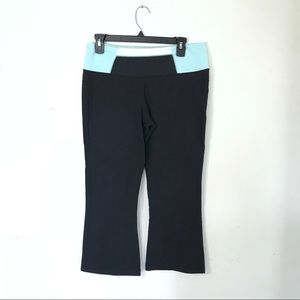 Lululemon Cropped Capri Leggings Size 10 Blue